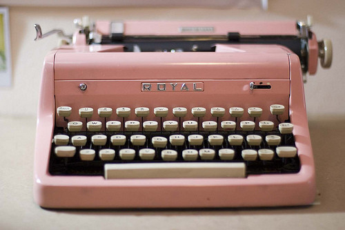 pink,typewriter,vintage,photography,retro,cute,and,fun-29f5d09ee53f371ac8c517bbaafd642a_h